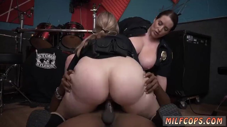 Dirty milf and german casting Raw video grips officer plumbing a deadbeat