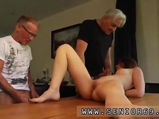 Redhead revenge anal Minnie Manga gobbles breakfast with John and David How will it end