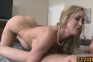 MILF Brandi Love fucked by young guy