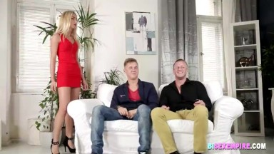 Czech Bi Lovers Have Fun in Threesome