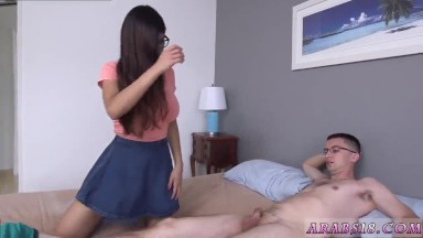 Blue eyes cumshot Mia Khalifa popped a devotees cherry!