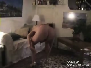 MILF stripping and dancing for the cam