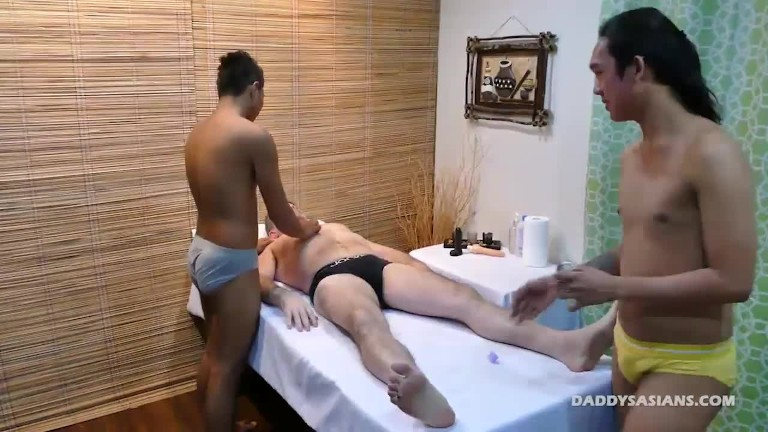 Daddy and oriental Twinks Fetish Threesome