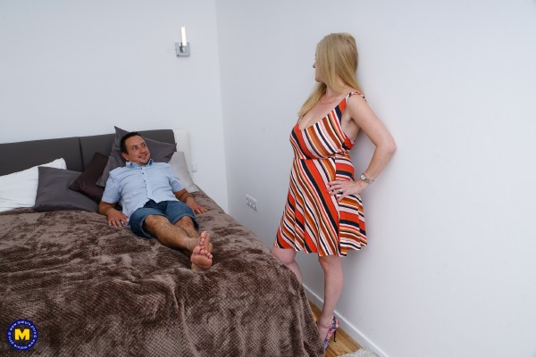 Lily May EU 49 - British monstrous breasted chick fucking and swallowing (2018/Maturenl/SD).