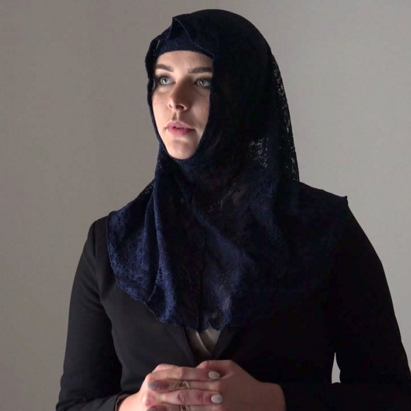 Nikky Dream - Rich muslim lady Nikky Dream wants to buy apartments in Prague (2018/SexWithMuslimscom/PornCZcom/FullHD).