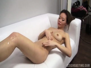 Exotic Amateur Shows Her Body