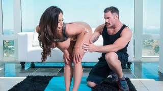 pervert individual trainer penetrates chesty cougar kendra