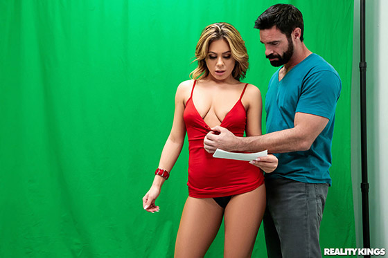8thstreetlatinas mia clittie concentrate or fuck