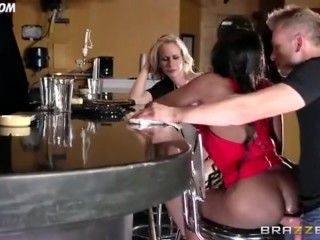 BRAZZERS - Diamond Jackson and Friend Fuck With The Bar Server