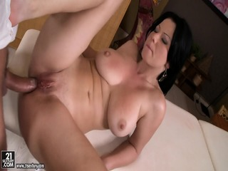 Amateur Babe With Big Tits Gets Banged Hard