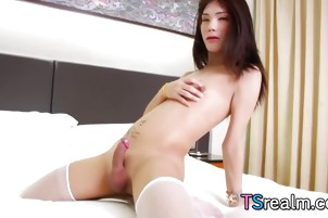 Cute Asian Tranny Muay Masturbates
