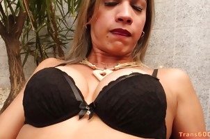 Shemale Leticia Andrade Solo Action