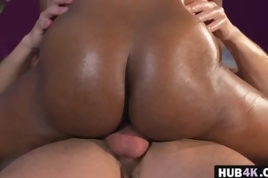 Ebony chick Jasmine Webb pounds white masseur
