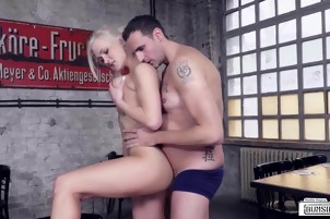 BUMS BUERO - Steak and Blowjob fuck with hot waitress
