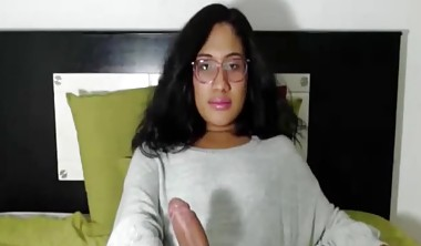 Big cock transgendered girl love to interact with her cam fan