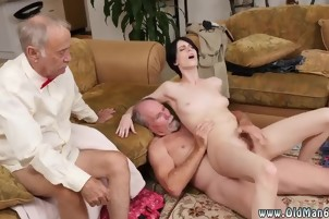 Old sexy lesbian amateur Frankie heads down the Hersey highwa