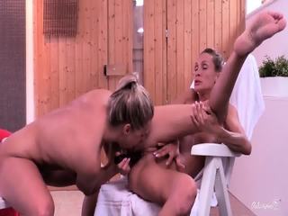 RELAXXXED - Czech Dykes Barra And Cynthia Licking Pussy