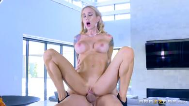 Real Wife Stories - Sarah Jessie blows and fucks the real estate agent