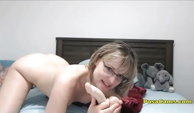 US Short Hair MILF With Glasses Squirting Orgasm