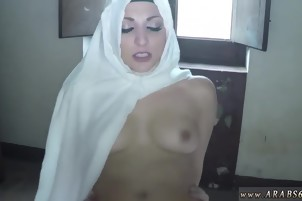 Arab honey moon Poor, lonely doll come in looking for apartme