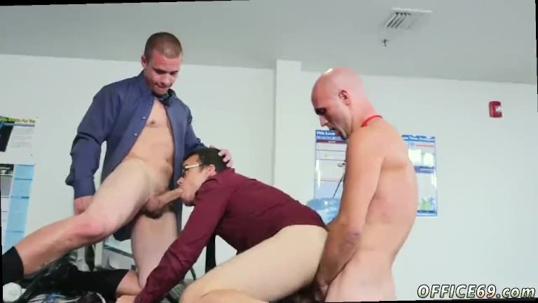 Twink porn games and old gay arab man Does nude yoga motivate more than