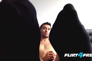 Foot Fetish Hung Dude Fingers His Asshole