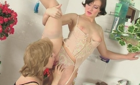"""Gwendolen&Ira mindblowing nylon video"
