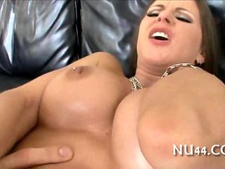 Buxom milf gets vibed and boned