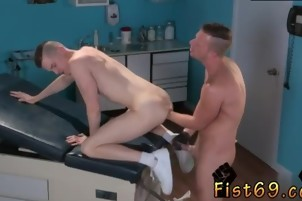 Emos fist porno gays Axel Abysse gets nude and raises his