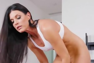 Sexy Cougar India Summer Has Oral Sex With Lover