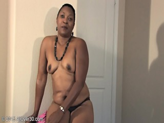 Mature Exotic Woman Shows Body