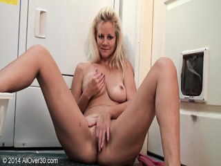 Sexy Mommy Shows Her Tits And Pussy