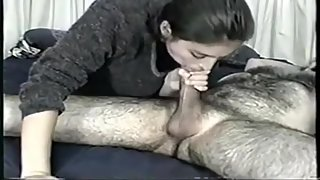Amateur Hot Teen Gives Deepthroat and Have Oral Sex