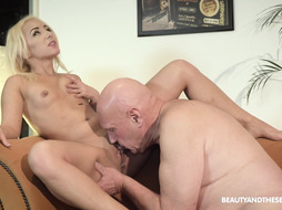 Blondie Uses Elderly Dude s Beef Whistle PornGem