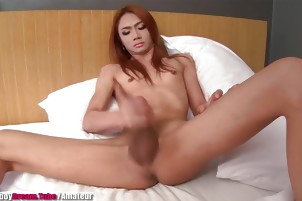 Amateur Thai Shemale shoots her load - LadyboyDream.Tube