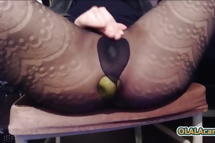 Incredible bitch puts 2 apples in her ass and destroys it - H