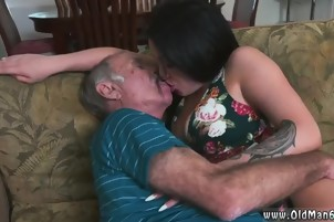 Homemade amateur old anal Frannkie's a quick learner!