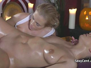 Lesbian licking in massage rooms