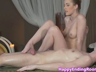 Massage beauty grinding on client
