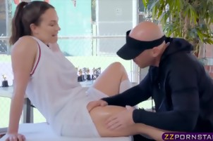 Knee problems can be solved via rough doggystyle fucking