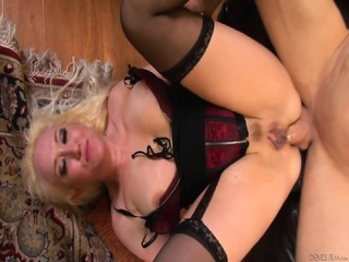 Ass Fucked Mommy In Action